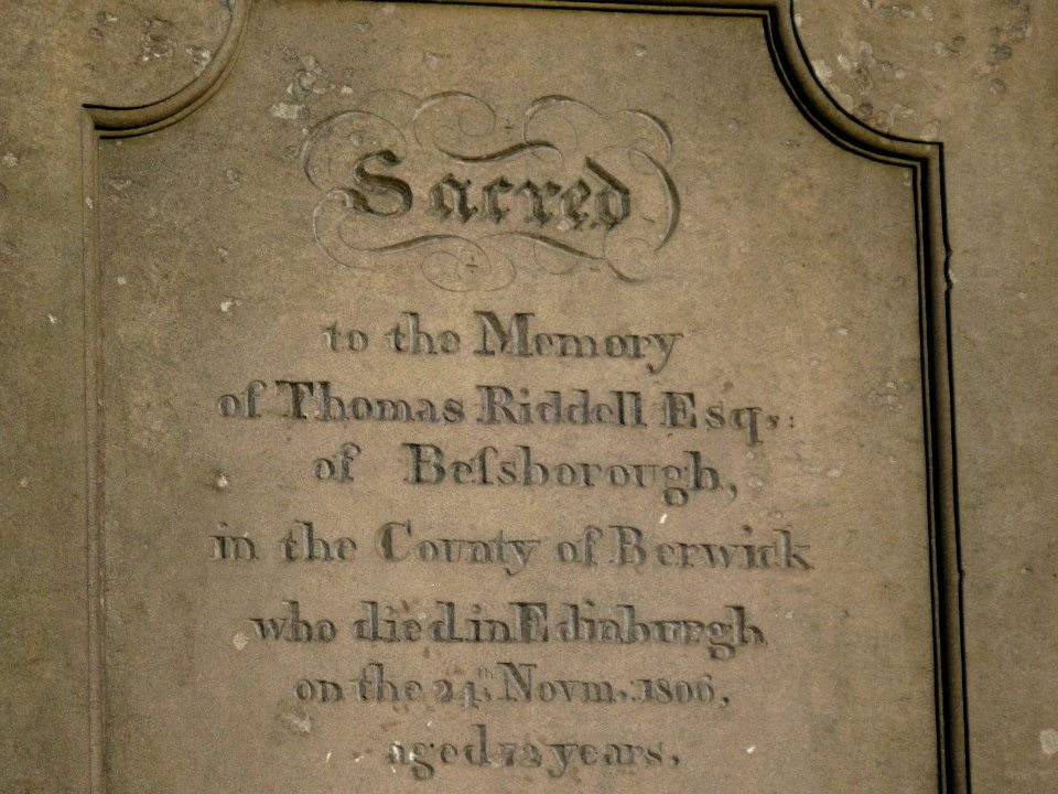 the tombstone of Thomas Riddle