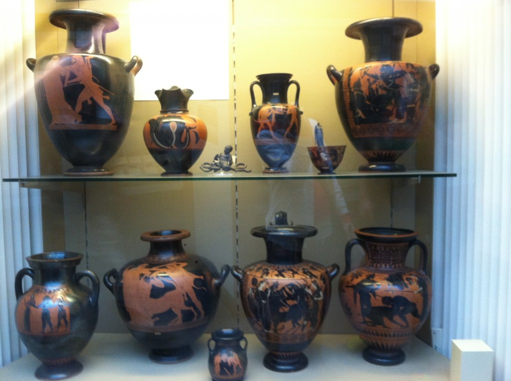 Greek pots telling stories of Hercules